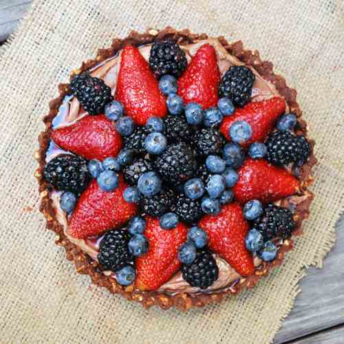 Nutella & Berry Pie with Pretzel Crust