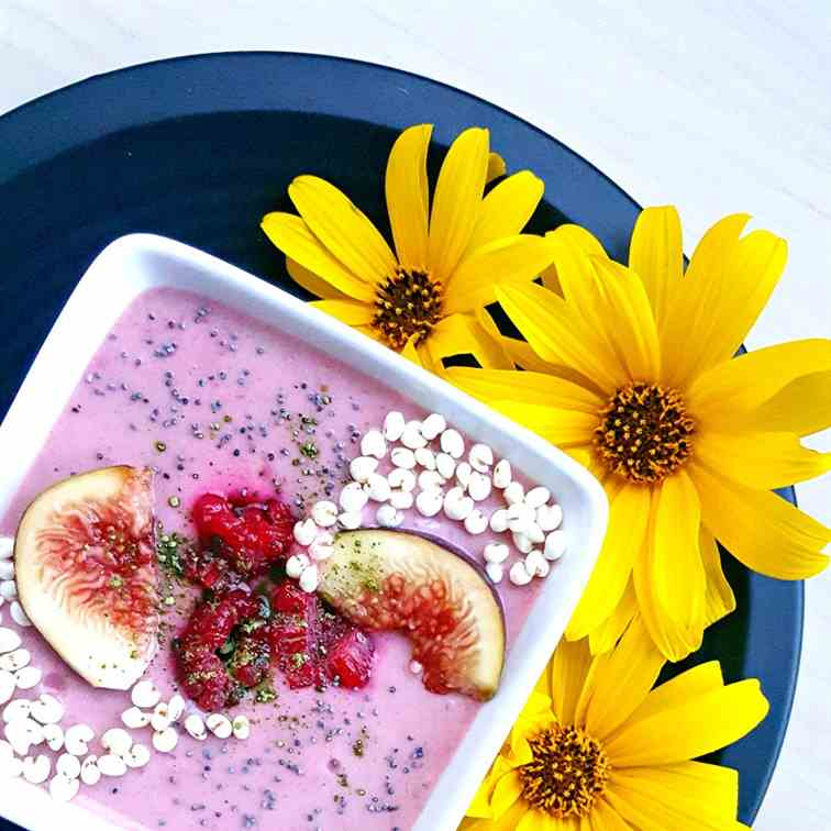 Raspberry-banana yogurt