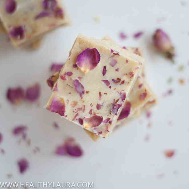 Cashew White Chocolate with Roses