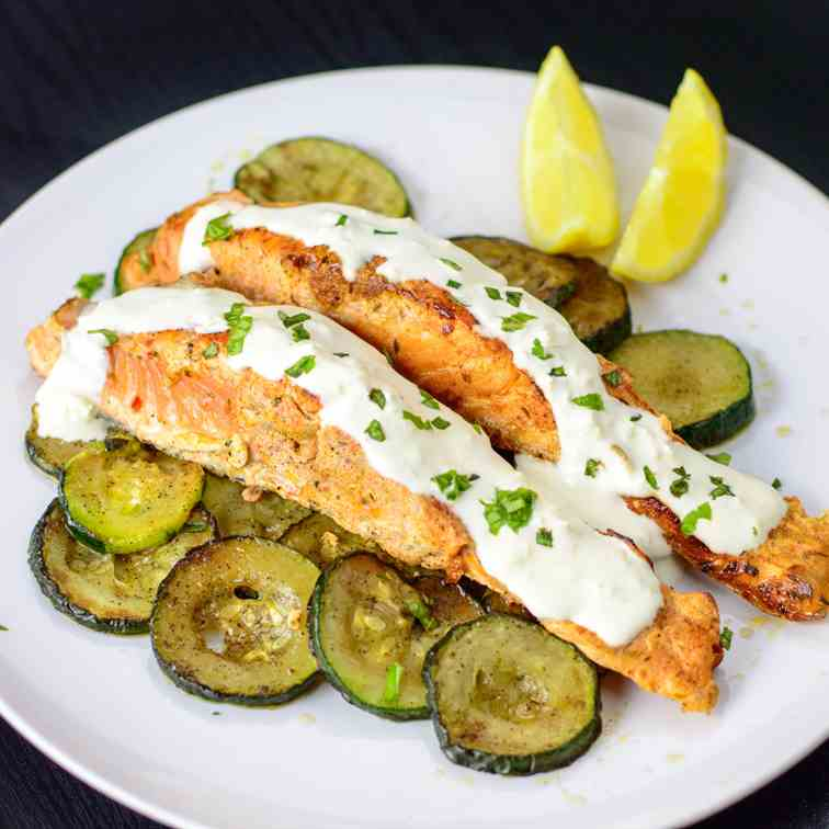 Pan-fried salmon with zucchini