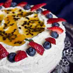 Japanese fruit & cream sponge cake