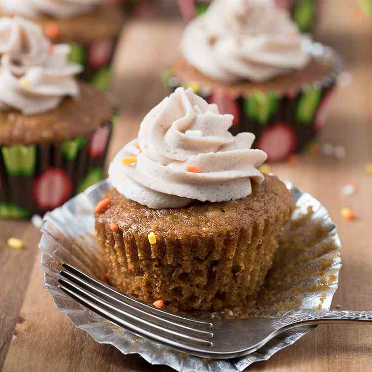 Pumpkin Buttercream Cupcakes