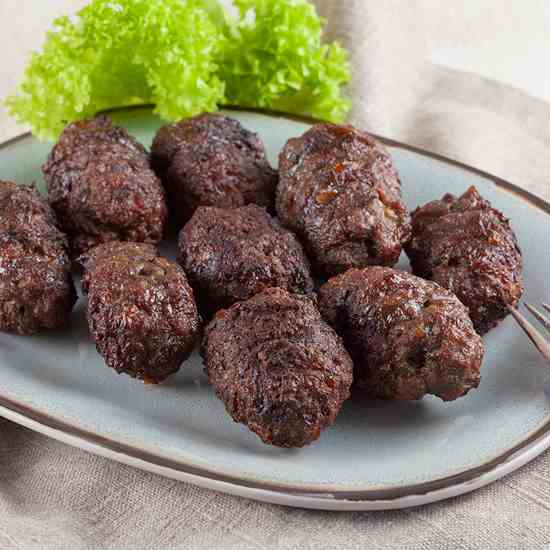 Romanian grilled minced meat rolls