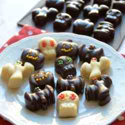 Trick or Treat ? Chocolate Monsters