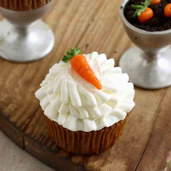 Pretty Ruffled Carrot Cupcakes