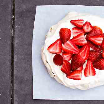 Super Easy Brown Sugar Pavlova