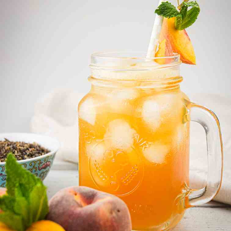Peachy Iced Green Tea