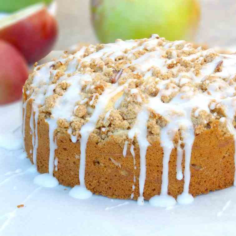 Cinnamon Apple Streusel Cake