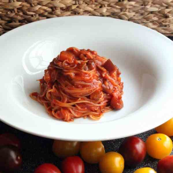 Spaghettini cooked in the sauce