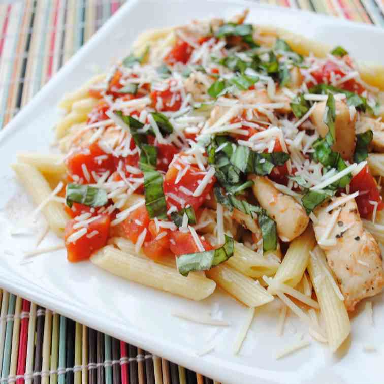 Penne & Chicken with Spiced Tomato Sauce