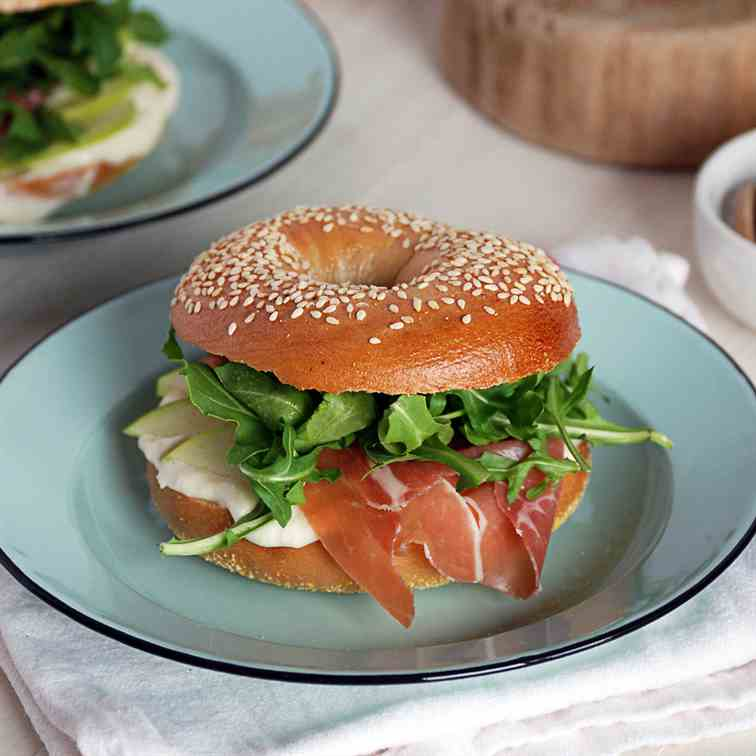Sesame Bagel Sandwiches with Prosciutto