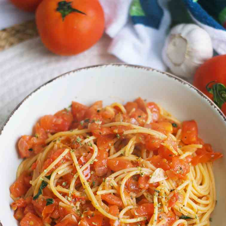 Simple Pasta With Tomatoes And Capers