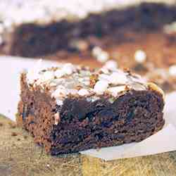 ALMOND CHOCOLATE CAKE WITH PRUNES