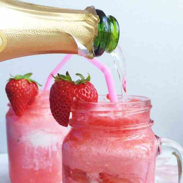 Strawberries and Cream Champagne Floats