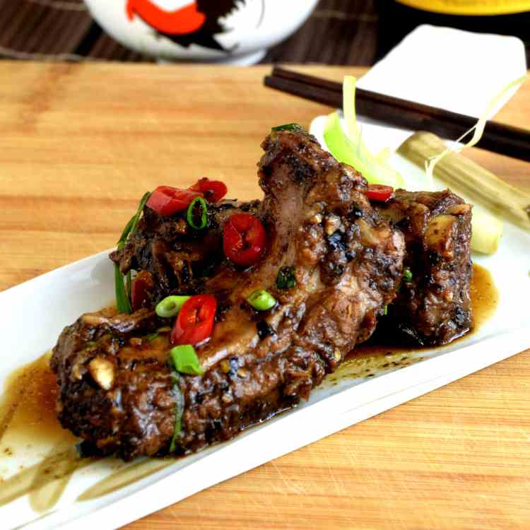 Chinese spareribs with black bean sauce