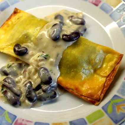 XL-Ravioli with Honey-red Bean Sauce
