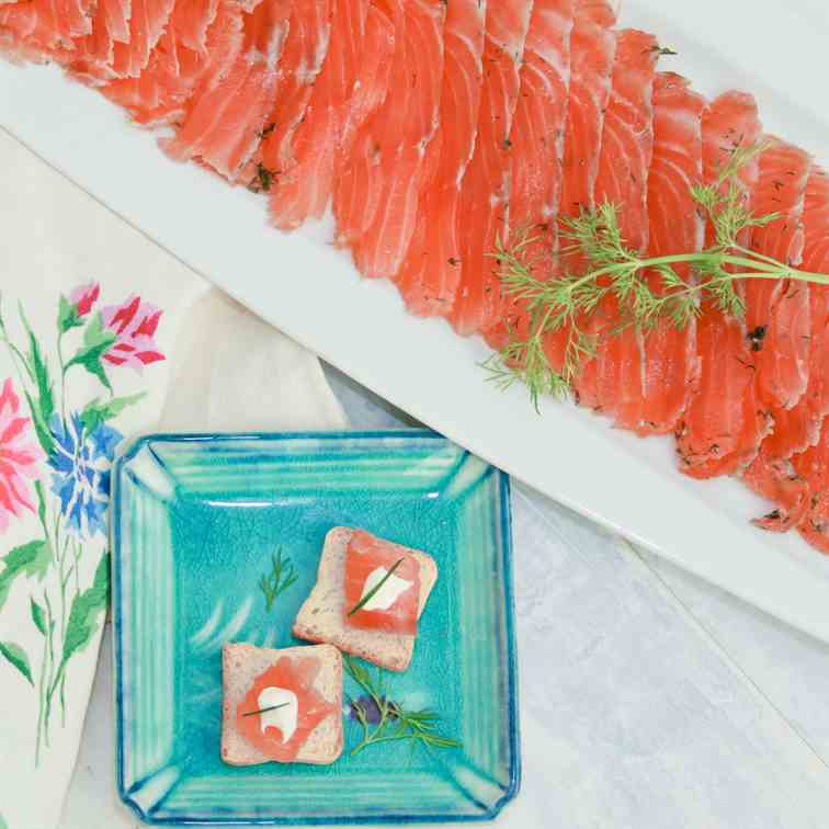 Gravlax: cured salmon made at home
