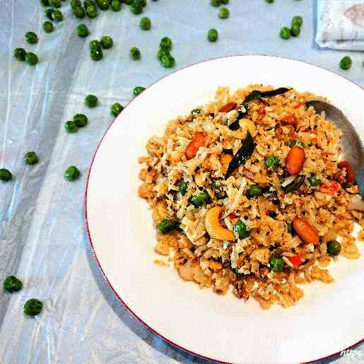 Coconut flavoured cauliflower rice