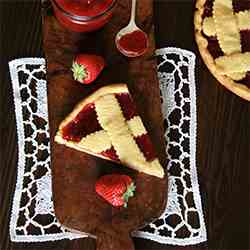 Crostata with strawberry compote