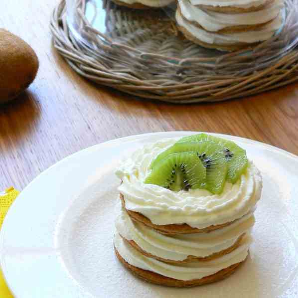 Cream and kiwi mille-feuille