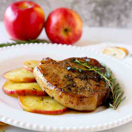 Pork Chops with Apple Bourbon Glaze
