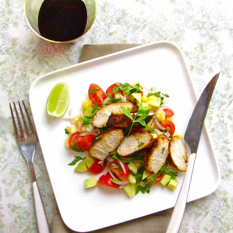 Summer salad with lean chicken breast