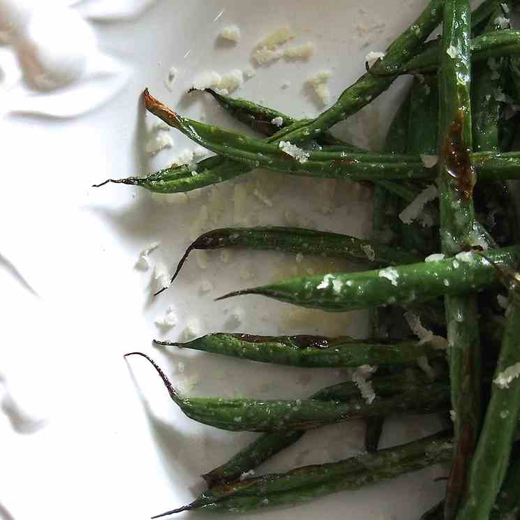 Roasted Green Beans with Garlic Butter