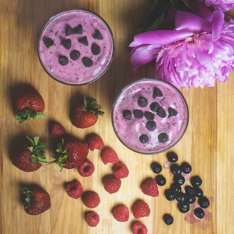 Triple Berry Chocolate Chip Smoothie