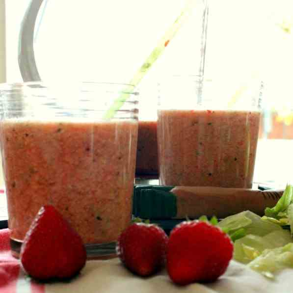 Pink Vitamin Bomb Smoothie