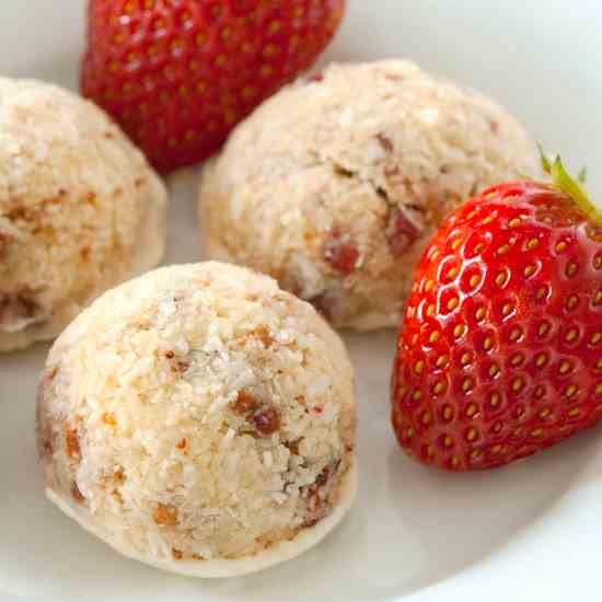 Gluten Free Strawberry Coconut Macaroons