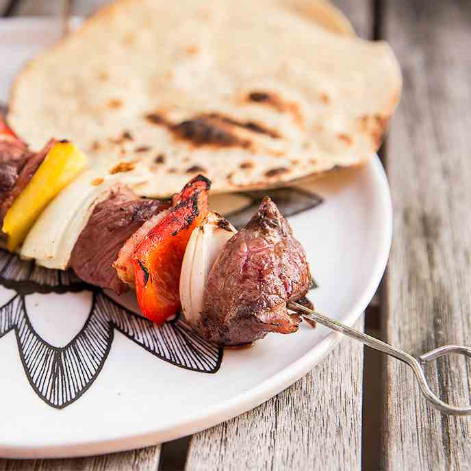 Grilled Beef Skewers with Bacon and Onion