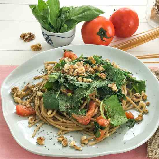 Noodles with Tomato, Spinach and Walnuts