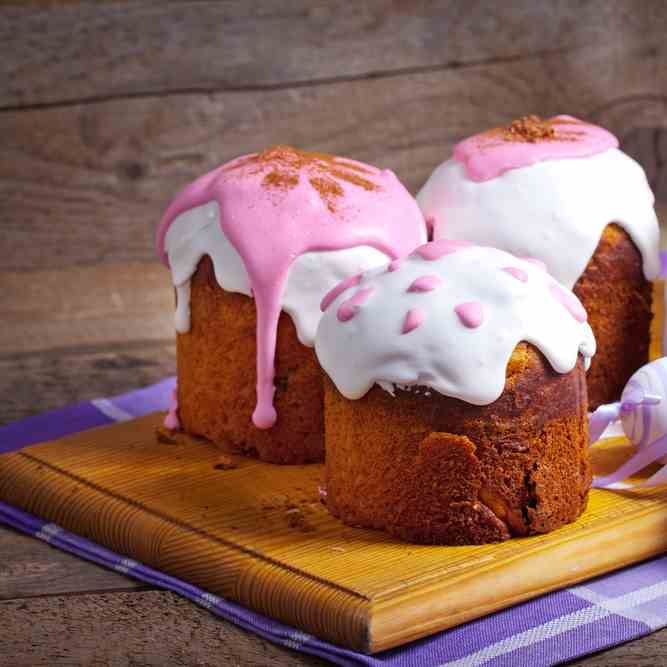 Instant Pot Best Ever Easter Cakes