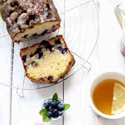 Plumcake with blueberry and mint syrup