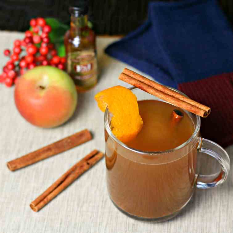 Hot Cinnamon Apple Brandy Cider