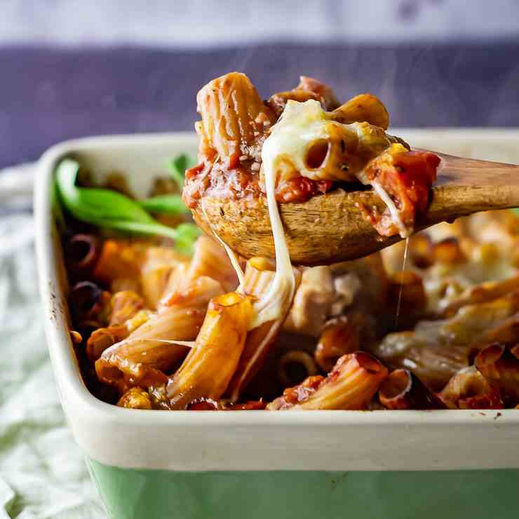 One Pot Cheese and Tomato Pasta Bake