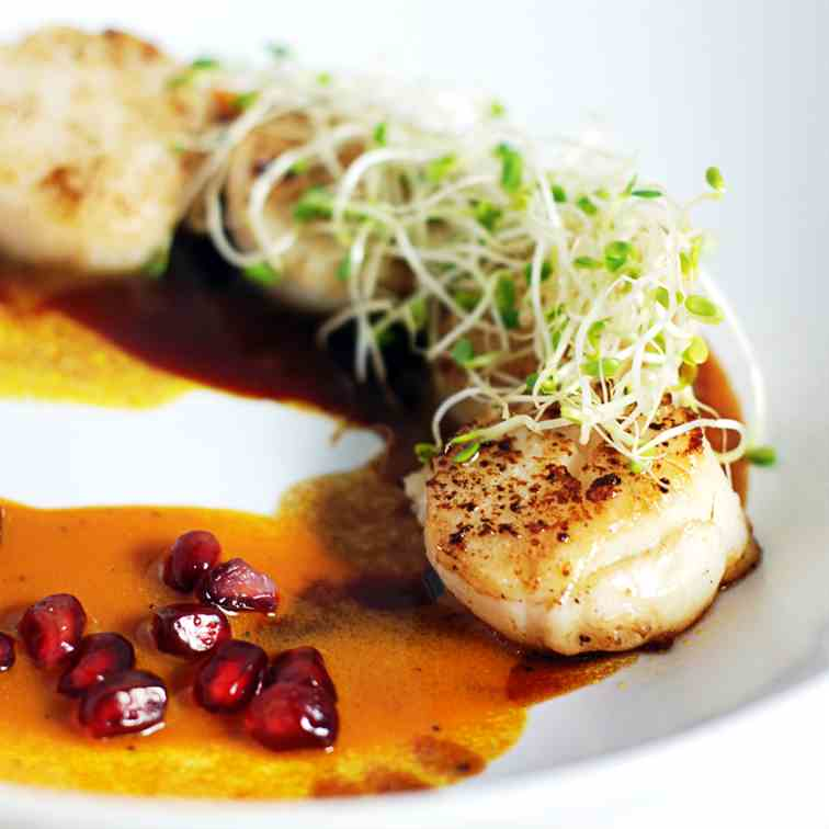 Seared Scallops with Pomegranate - Carrot