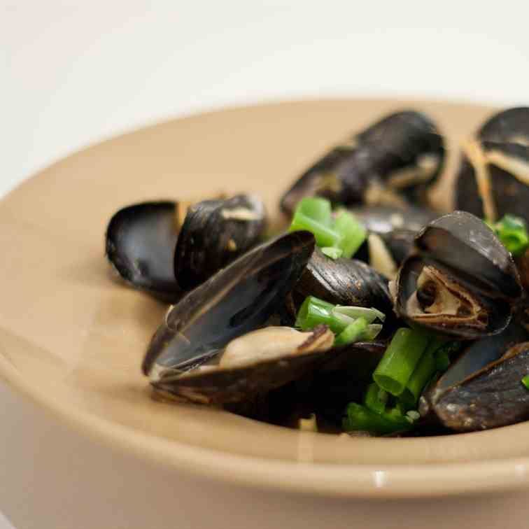 Mussels in Asian Soup