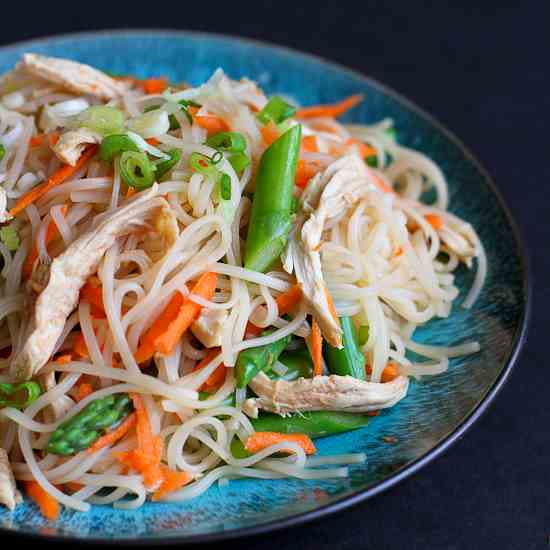 Rice Noodles with Chicken & Asparagus