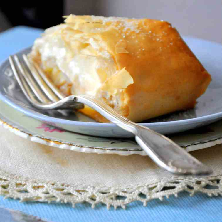 Cheese & apple strudel