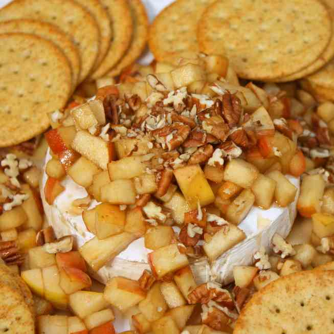 Baked Brie with Apples - Pecans