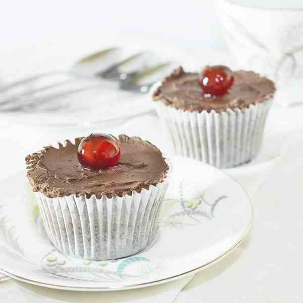 Cherry Chocolate Chip Cupcakes
