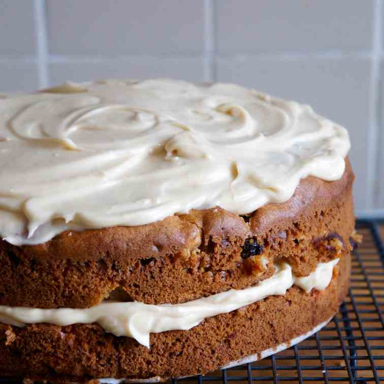 Olive oil and apple cake with maple icing