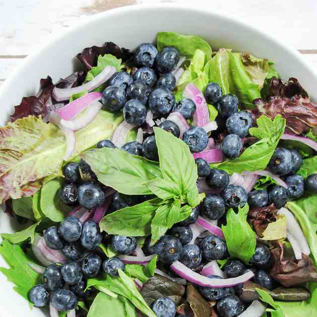 Leafy Green Salad With Blueberries