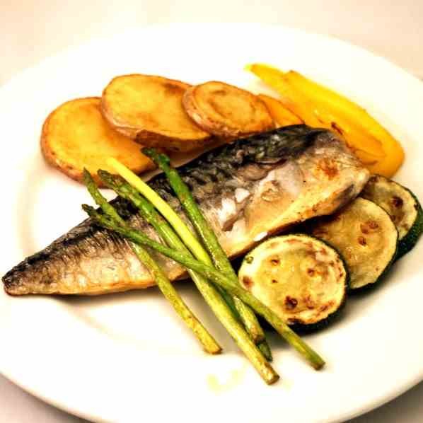 Mackerel with Potatoes and vegetables