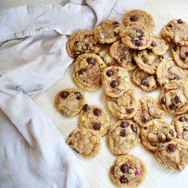 Vanilla Cake Batter Chocolate Chip Cookies