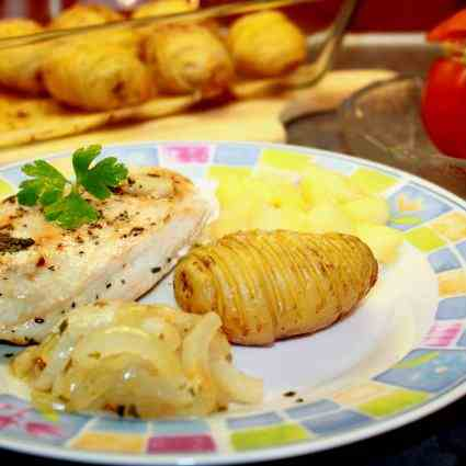 Chicken breast with glazed Onion and Apple