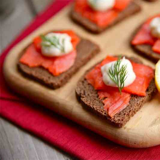 Salmon and Dill Open-Face Appetizer