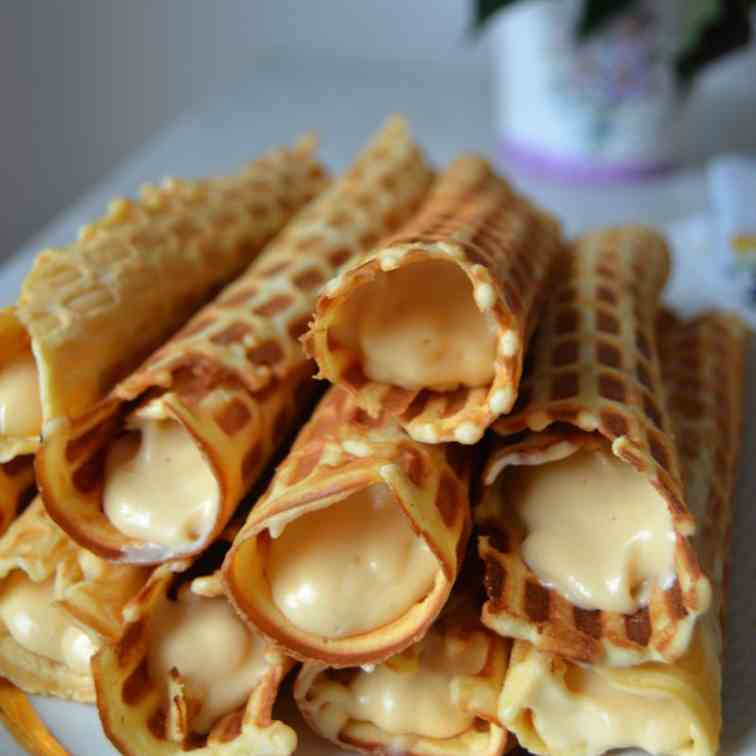 Crispy Waffles with Dulce de Leche Cream