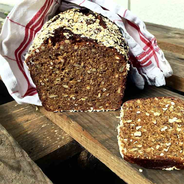 Healthy multi-seed fitness bread